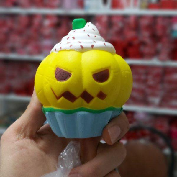 پخش عمده لوزام ضد استرس انواع اسکویش کدو هالووین ، کیک خامه ایی