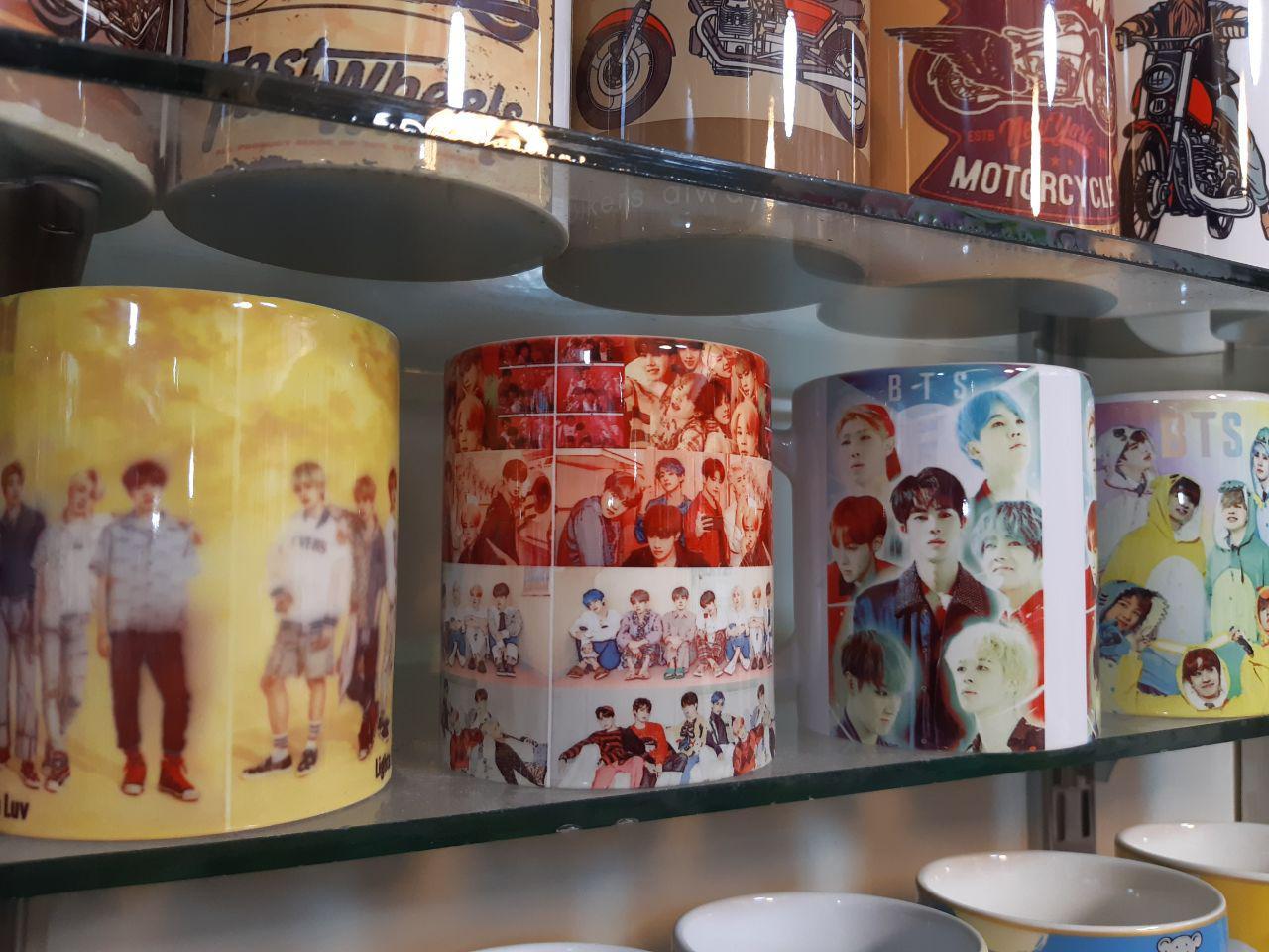 پخش عمده لوازم کادویی و تزیینی ماگ با طرح بازیگران کره ایی