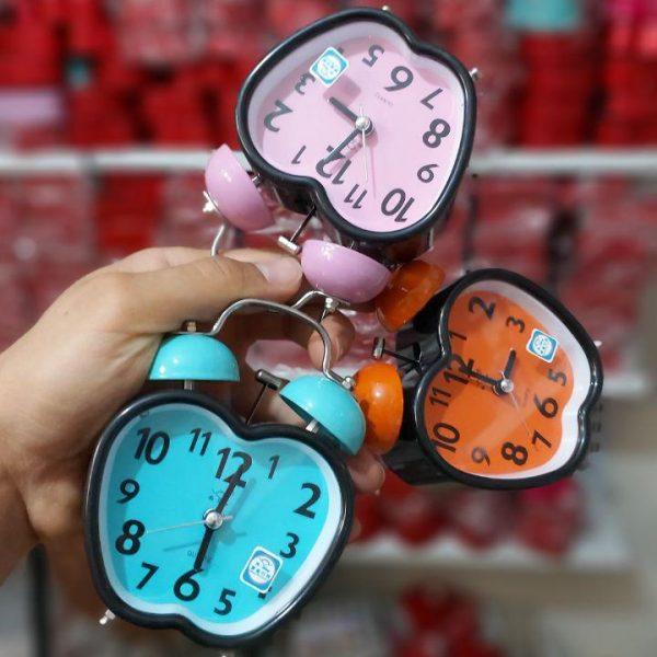 سفارش عمده انواع لوازم کادویی و تزیینی ساعت قلبی