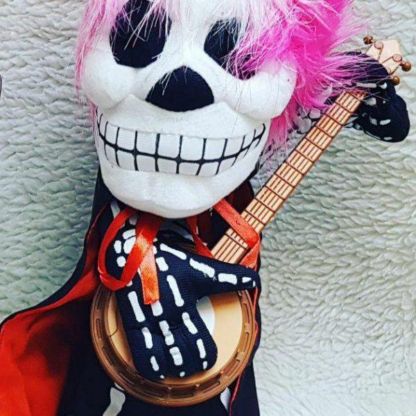 سفارش عمده لوازم شوخی و لوازم هالووین عروسک گیتاریست