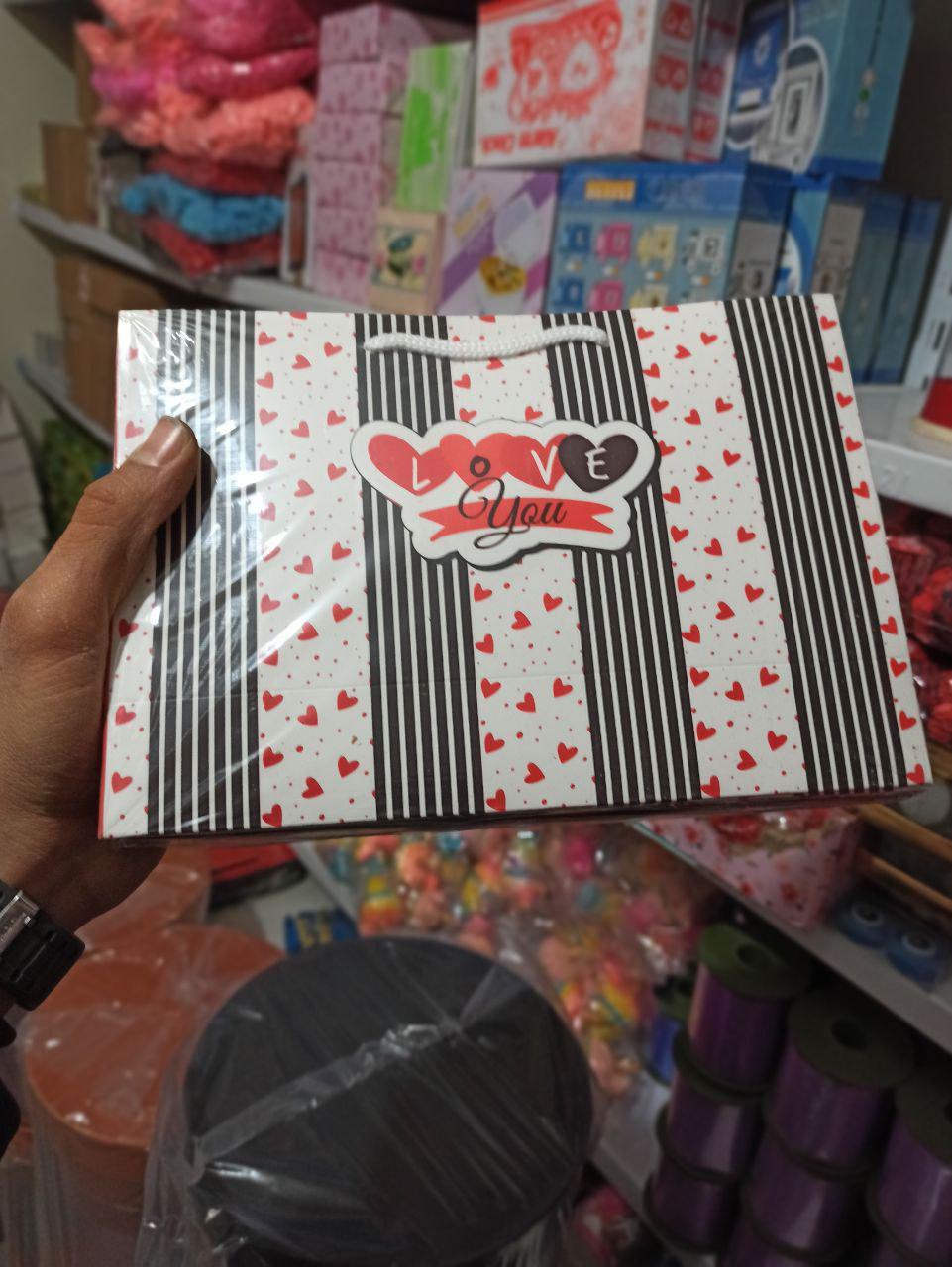 پخش عمده لوازم ولنتاین انواع جعبه کادو ولنتاین