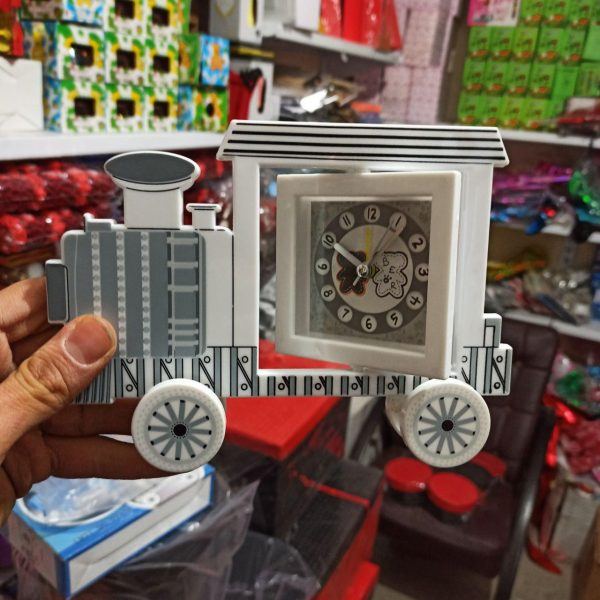 پخش عمده لوازم کادویی و تزیینی انواع ساعت زیبا